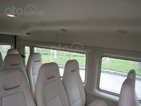 Trả trước 400tr dẫn ngay Ford Transit mới về nhà  LH: 0935.389.404 - Hoàng Ford Đà Nẵng-7