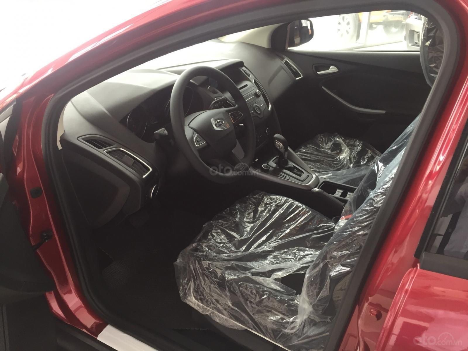 Bán xe Ford Focus năm sản xuất 2019, màu bạc, nhập khẩu, giá 199tr-2