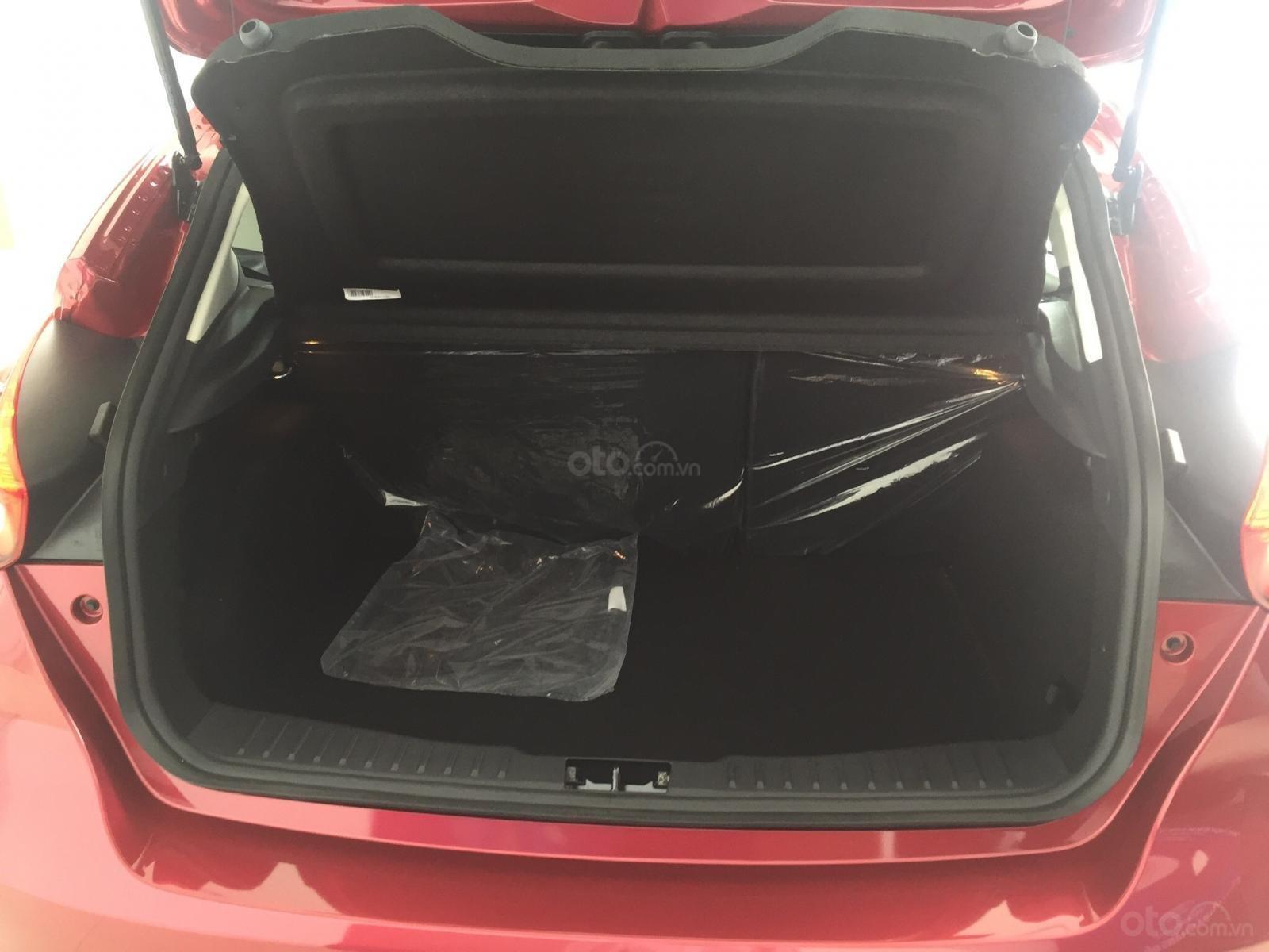 Bán xe Ford Focus năm sản xuất 2019, màu bạc, nhập khẩu, giá 199tr-9