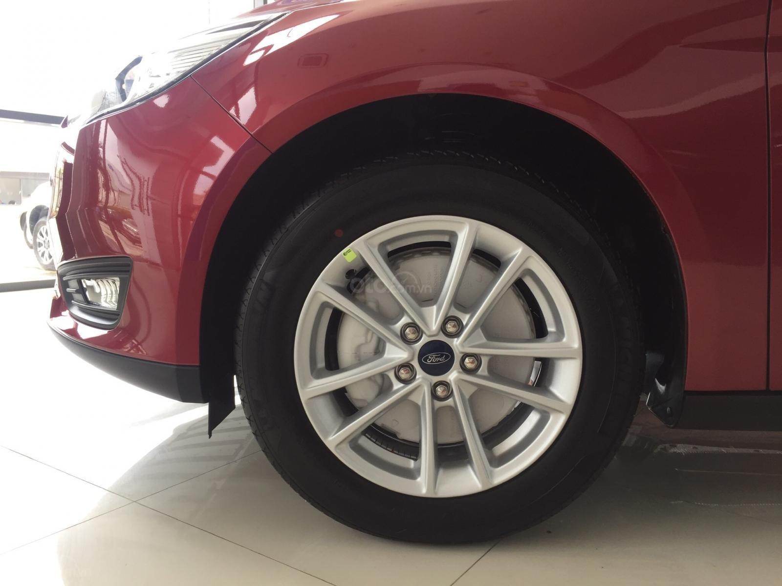 Bán xe Ford Focus năm sản xuất 2019, màu bạc, nhập khẩu, giá 199tr-8
