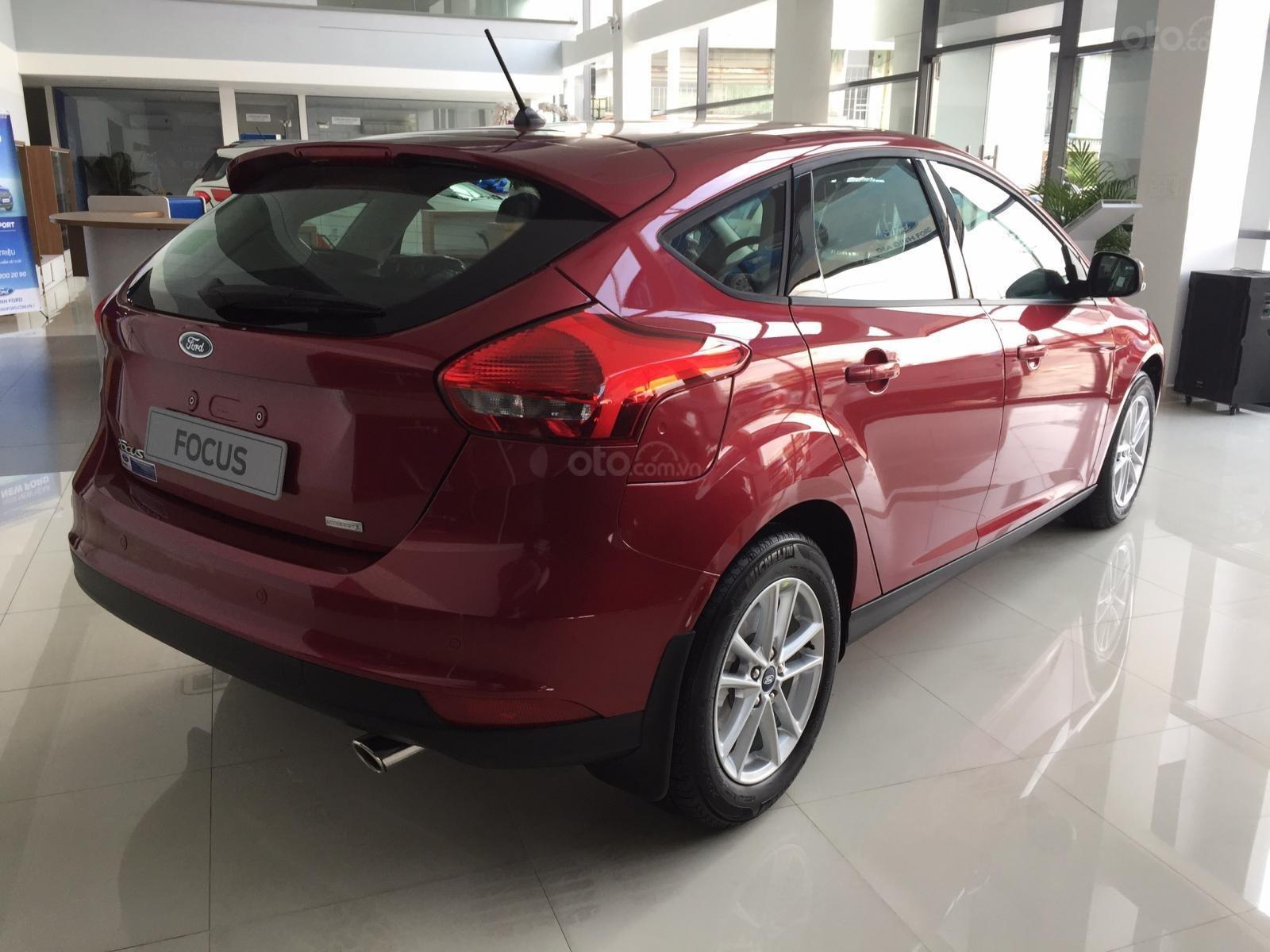 Bán xe Ford Focus năm sản xuất 2019, màu bạc, nhập khẩu, giá 199tr-10