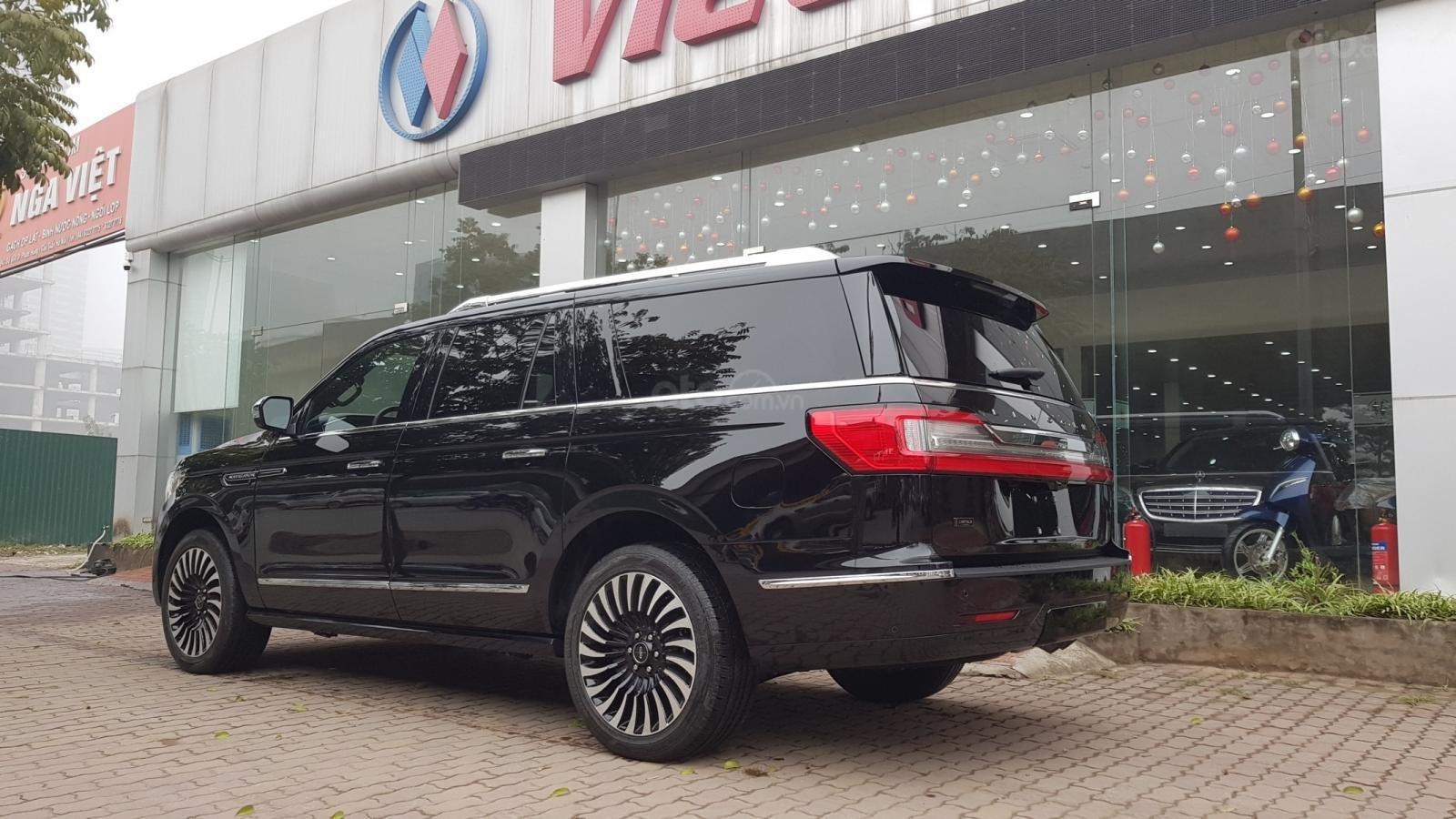 Bán ô tô Lincoln Navigator L Black Label sản xuất 2019, màu đen, nhập khẩu mới 100%-4