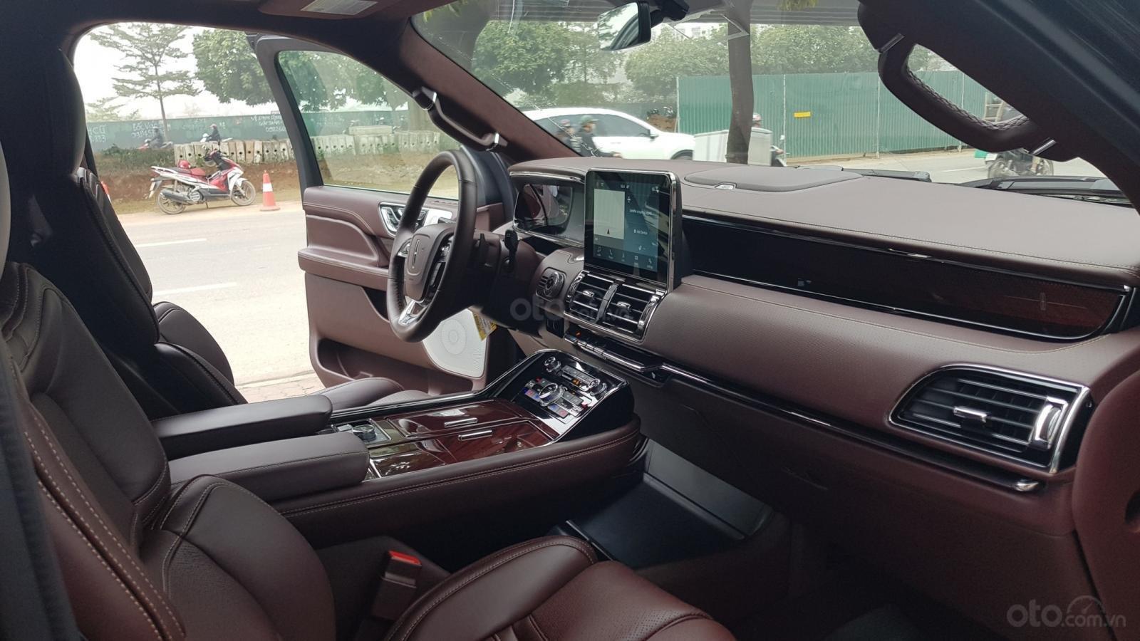 Bán ô tô Lincoln Navigator L Black Label sản xuất 2019, màu đen, nhập khẩu mới 100%-15