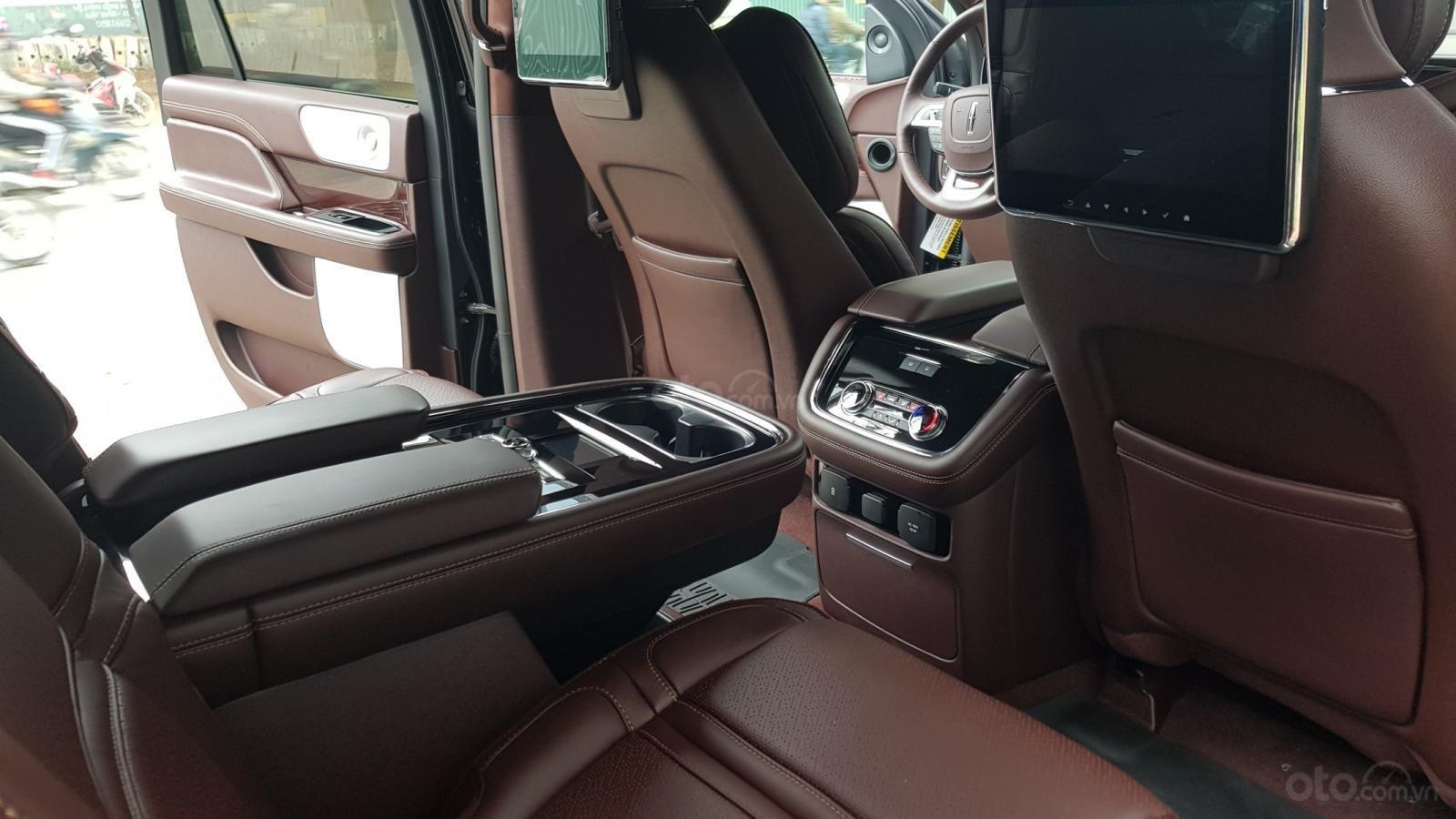Bán ô tô Lincoln Navigator L Black Label sản xuất 2019, màu đen, nhập khẩu mới 100%-19