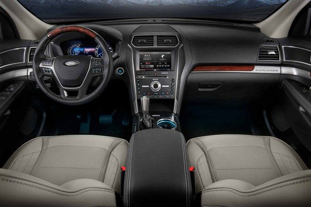 Nội thất Ford Explorer 2018 sang trọng và tiện nghi