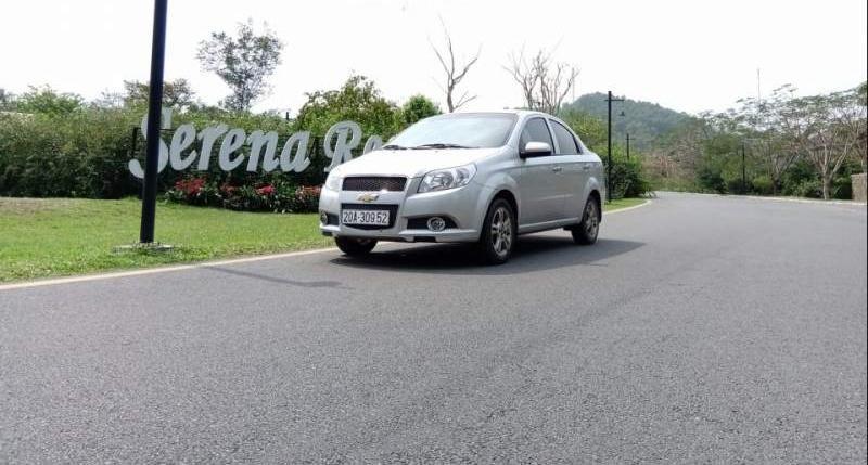 Bán xe Chevrolet Aveo đời 2018, màu bạc, xe đẹp -1