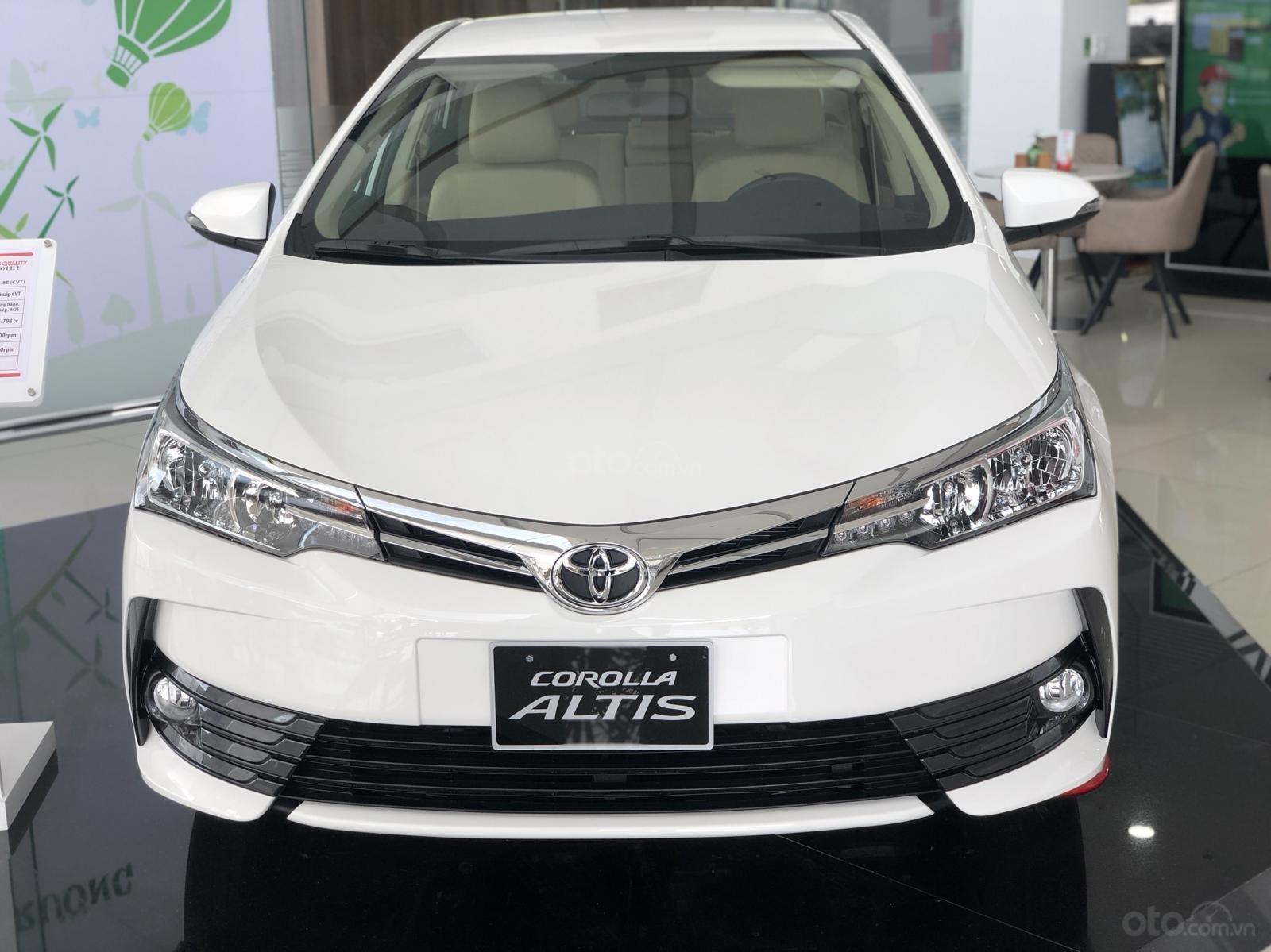 Bán Toyota Corolla Altis năm 2019 màu trắng, 746 triệu-1