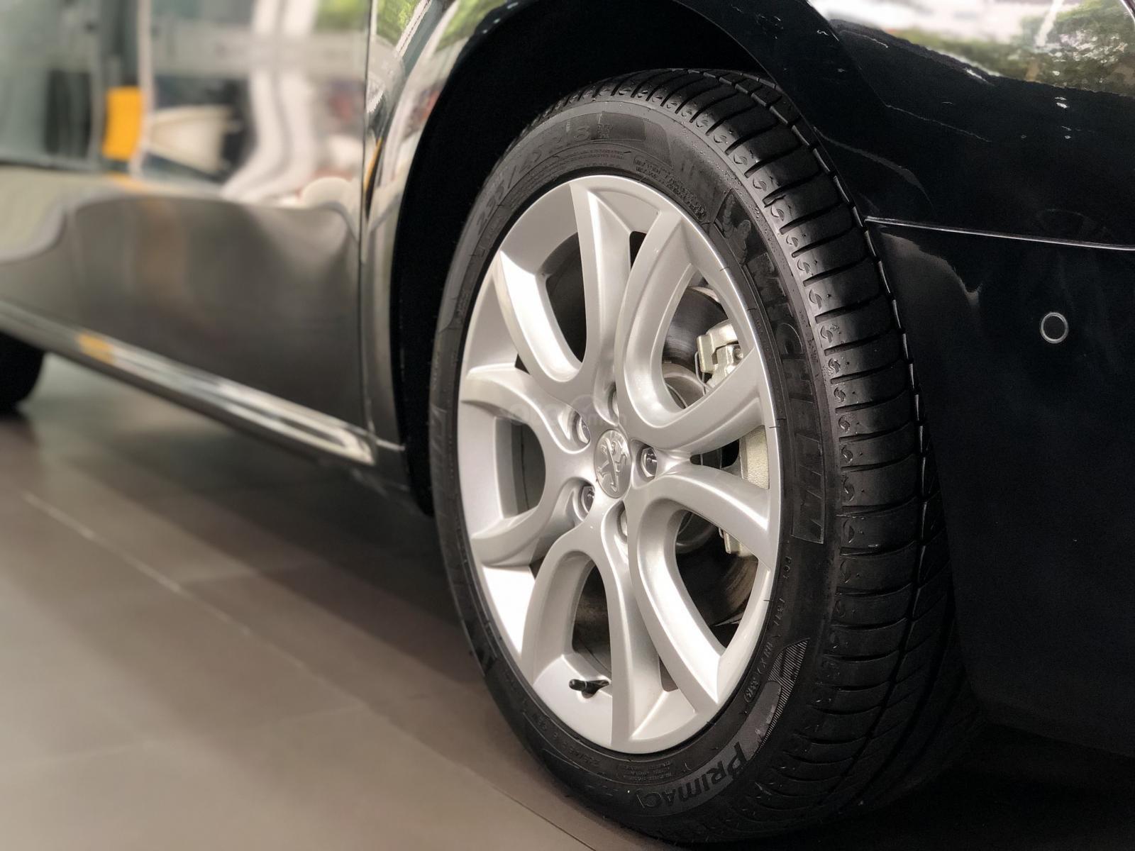 Peugeot Lê Duẩn (13)