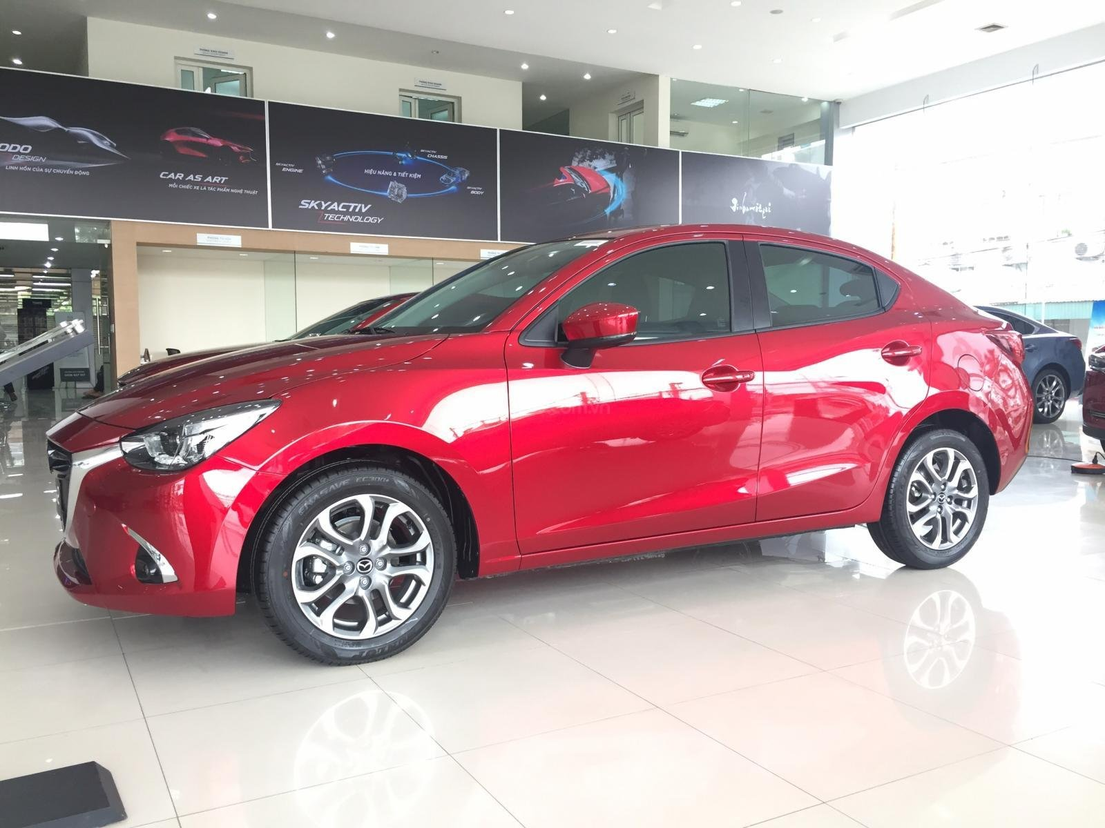 Mazda Hà Đông bán xe Mazda 2 bản cao cấp giá tốt. Liên hệ: 0944601785-5