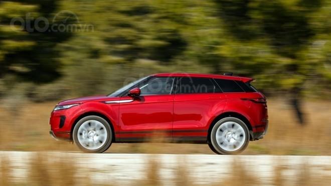 Range Rover Evoque hybrid đảm bảo tính năng off road mạnh mẽ