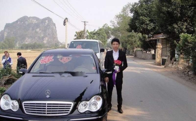 Bán Mercedes C180K sản xuất 2004, màu đen chính chủ (1)
