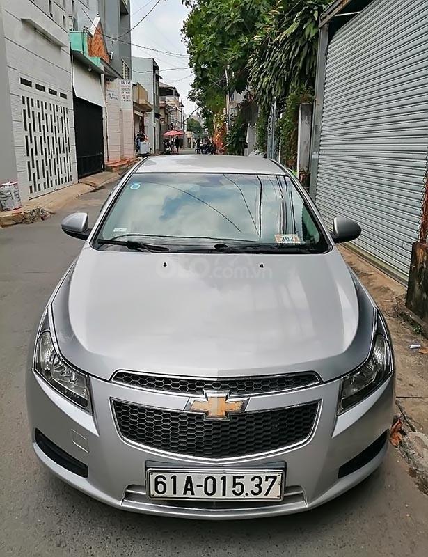 Bán Chevrolet Cruze LS năm sản xuất 2011, màu bạc-0