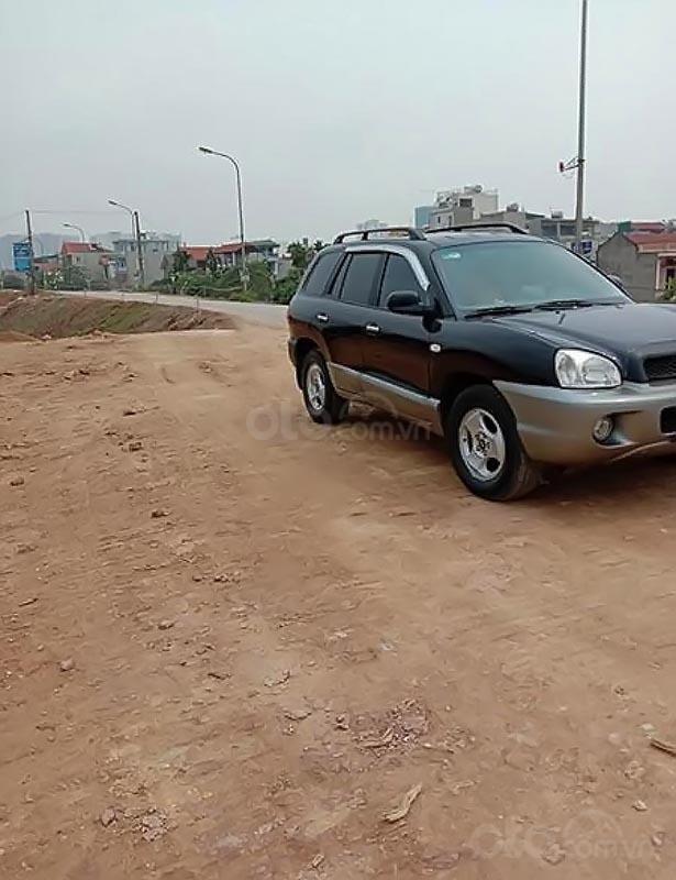 Cần bán xe Hyundai Santa Fe Gold 2.0 AT năm sản xuất 2003, màu đen, xe nhập   (2)