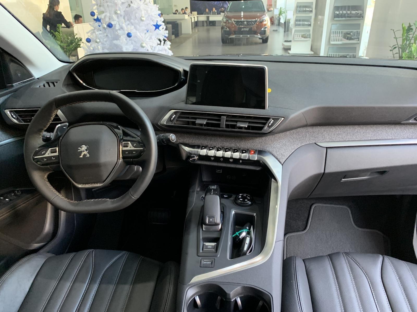 Peugeot Long Biên - Peugeot 5008 2019 siêu HOT - trả trước 350 triệu - xe giao ngay - khuyến mãi khủng, giá sốc-2