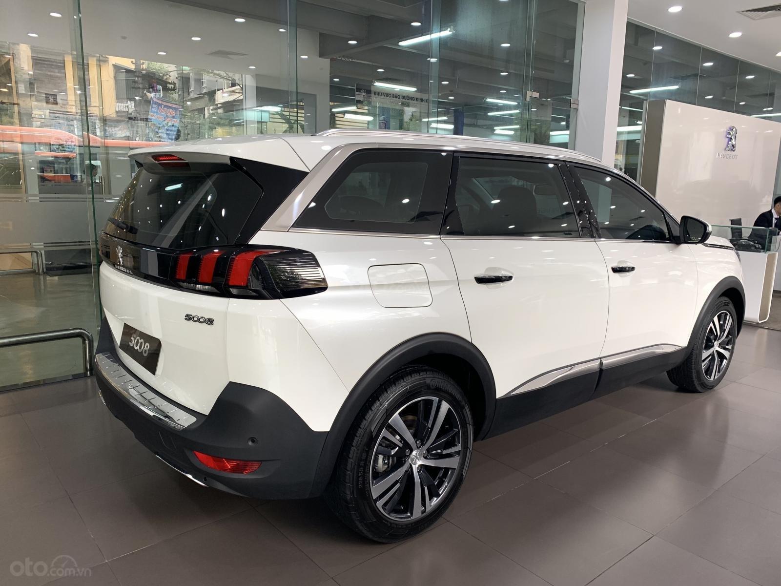 Peugeot Long Biên - Peugeot 5008 2019 siêu HOT - trả trước 350 triệu - xe giao ngay - khuyến mãi khủng, giá sốc-4