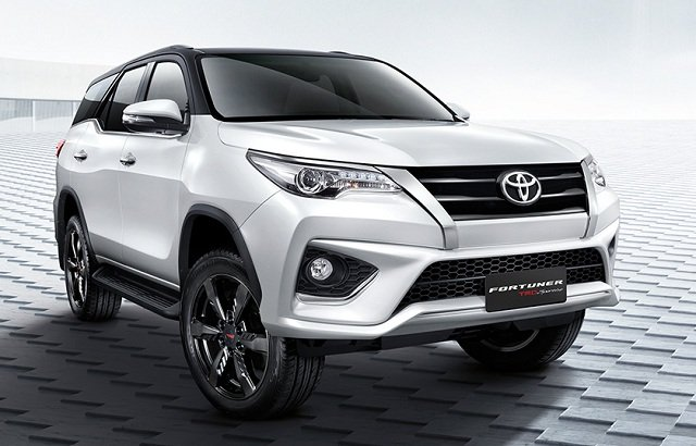 Giá xe Toyota Fortuner cũ