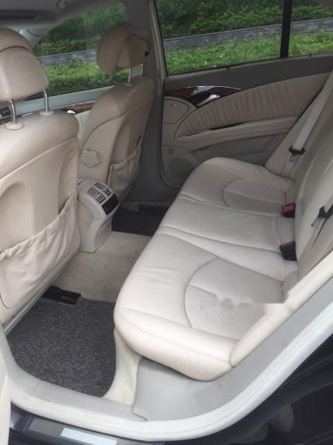 Cần bán Mercedes E240 sản xuất 2003, màu đen, nhập khẩu chính chủ-2