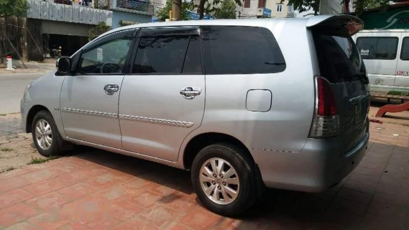 Cần bán Toyota Innova MT đời 2011, màu bạc, biển HN (5)