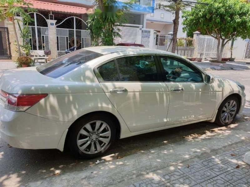 Bán Honda Accord sản xuất năm 2012, màu trắng, nhập khẩu, xe còn rất rất mới-1