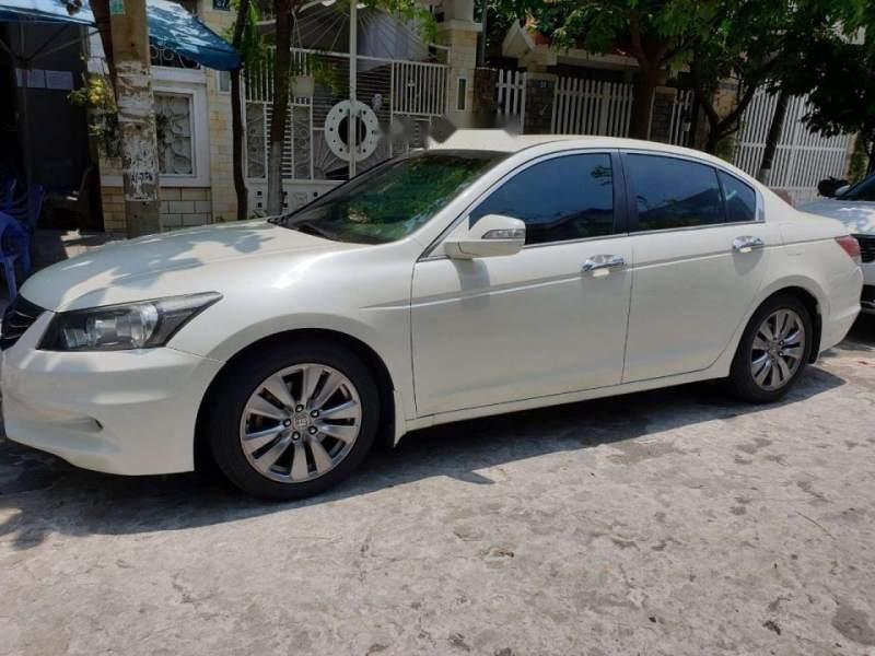 Bán Honda Accord sản xuất năm 2012, màu trắng, nhập khẩu, xe còn rất rất mới-0