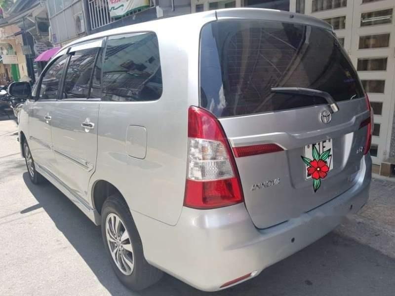 Bán Toyota Innova 12/2015, số sàn, gia đình trùm mền mới 99,9%-4