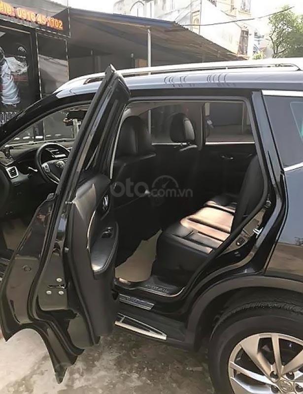 Bán xe Nissan X trail 2.0 SL 2WD năm sản xuất 2016, màu đen chính chủ, giá 810tr (2)