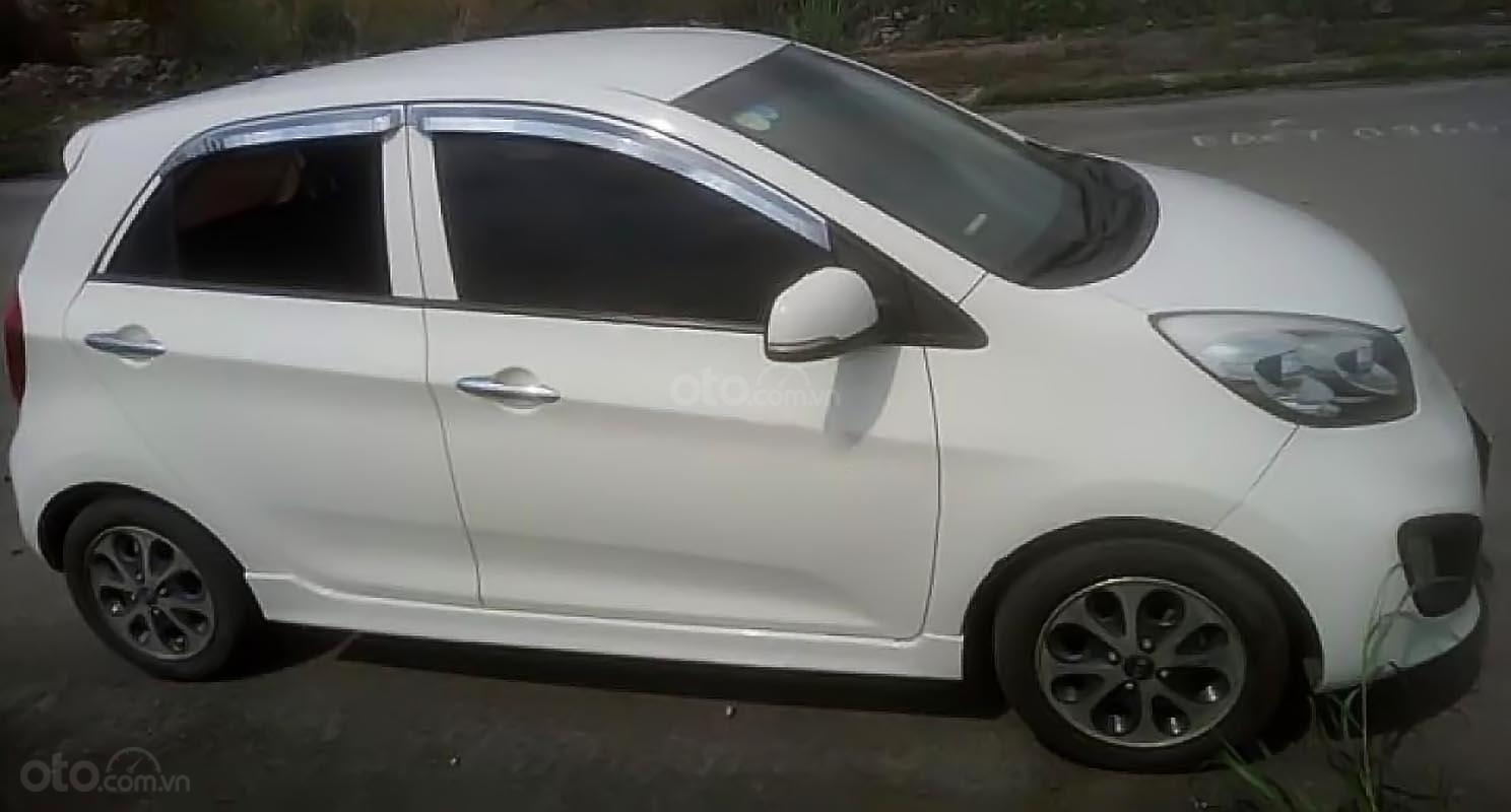 Cần bán Kia Morning đời 2011, màu trắng, nhập khẩu nguyên chiếc số tự động, giá tốt-0