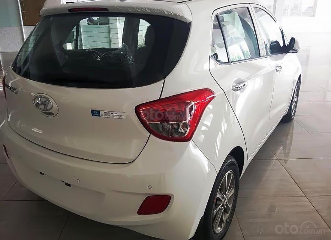 Bán Hyundai Grand i10 sản xuất 2014, màu trắng, 250 triệu-0