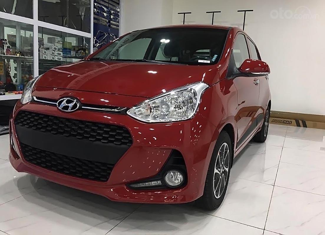Bán Hyundai Grand i10 AT năm 2019, màu đỏ-1