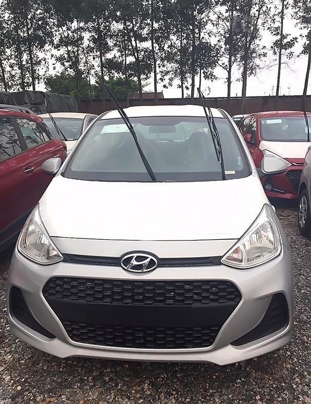Bán ô tô Hyundai Grand i10 1.2 MT Base năm 2019, màu bạc-1