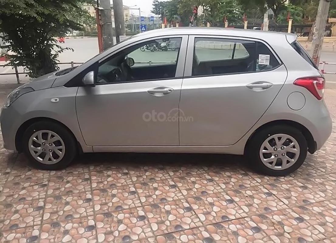 Bán ô tô Hyundai Grand i10 1.2 MT Base năm 2019, màu bạc-0