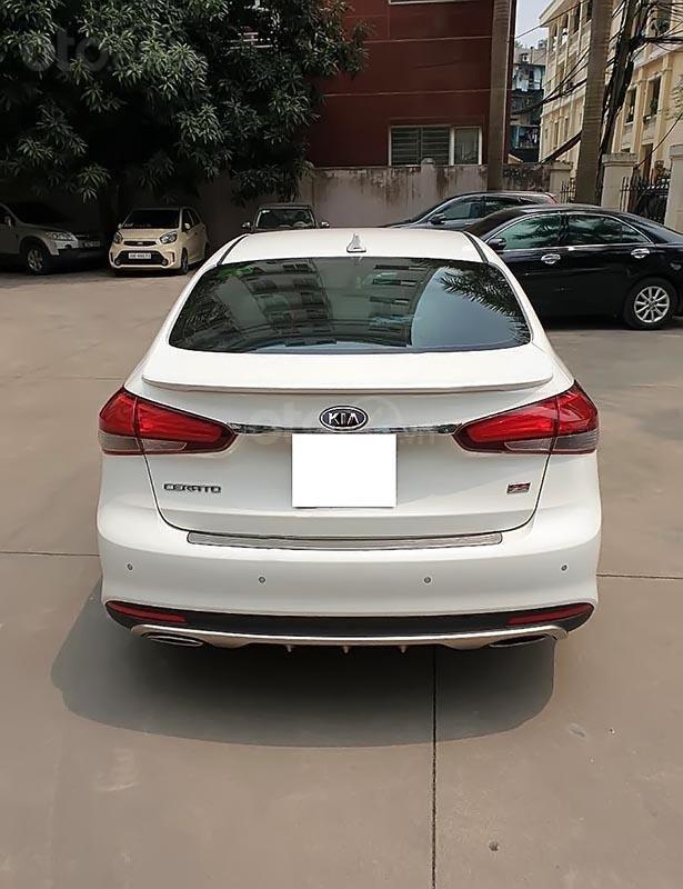 Cần bán lại xe Kia Cerato năm sản xuất 2018, màu trắng-1
