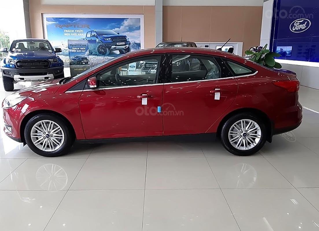 Bán xe Ford Focus năm sản xuất 2018, màu đỏ-1