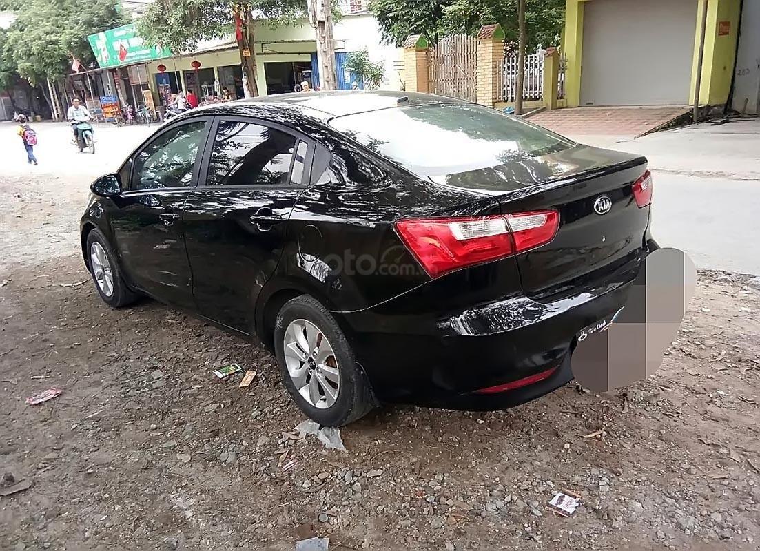 Cần bán gấp Kia Rio sản xuất năm 2015, màu đen, nhập khẩu chính chủ-1
