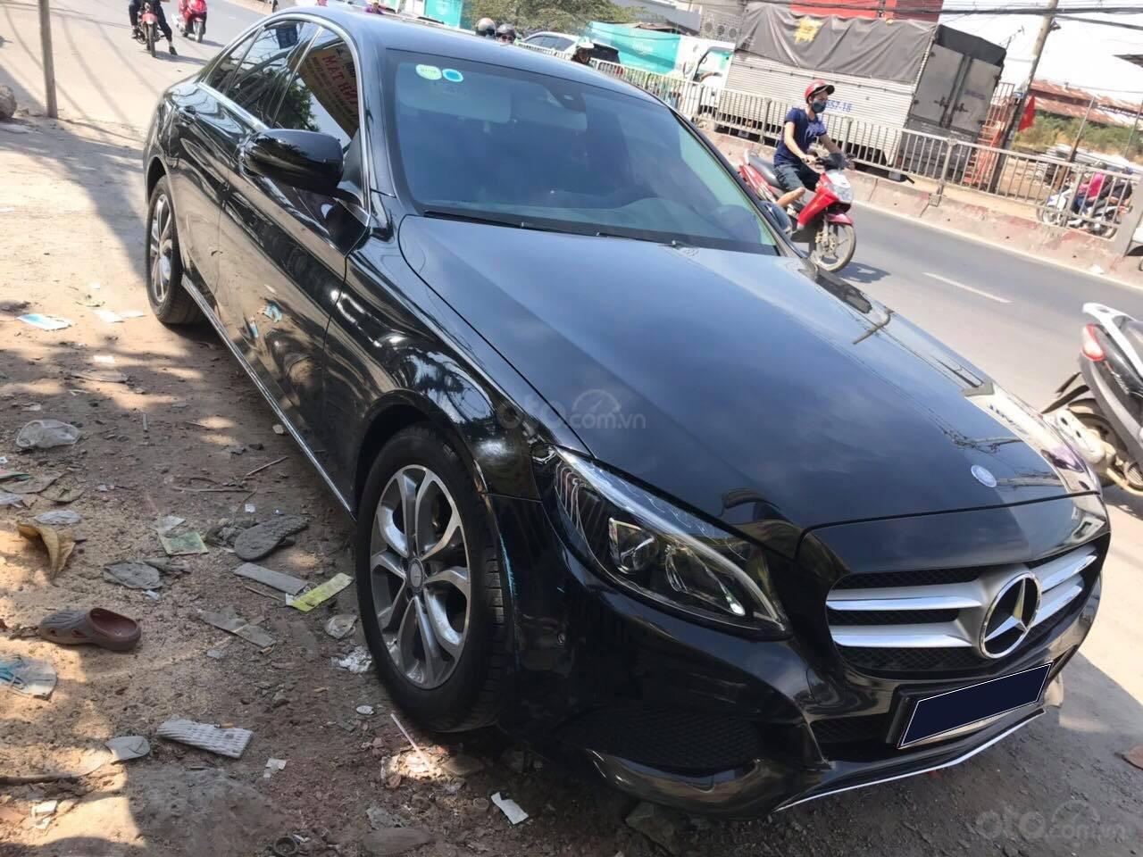 Bán Mercedes C200 model 2017, đã đi 26000km, xe chính chủ-0
