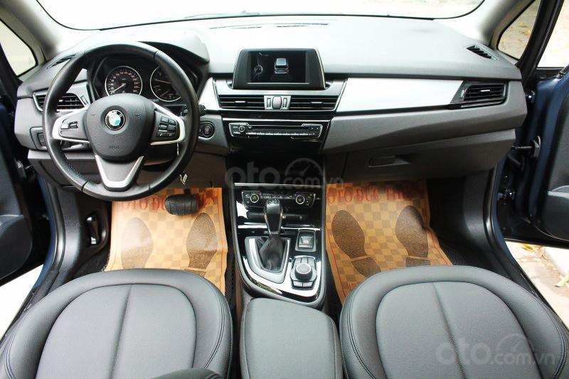 Cần bán BMW 2 Series 218i đời 2016-8