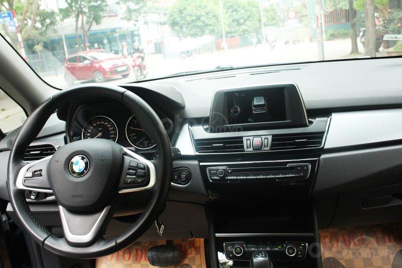 Cần bán BMW 2 Series 218i đời 2016-9