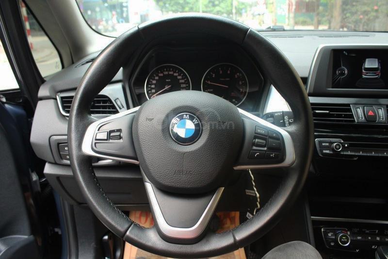 Cần bán BMW 2 Series 218i đời 2016-10