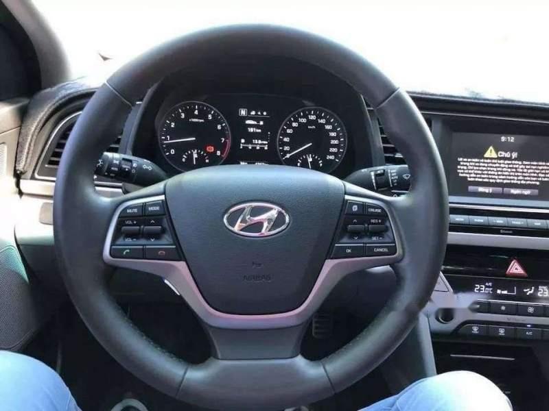 Bán Hyundai Elantra đời 2019, màu trắng, nhập khẩu  -3