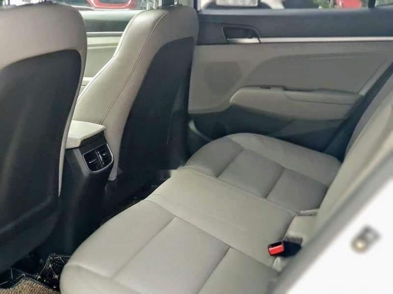 Bán Hyundai Elantra đời 2019, màu trắng, nhập khẩu  -5
