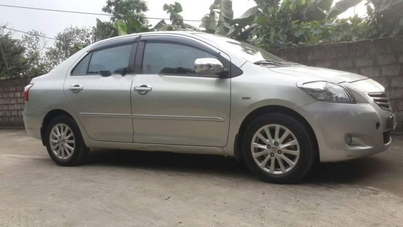 Bán xe Toyota Vios đời 2012, màu bạc số tự động-0