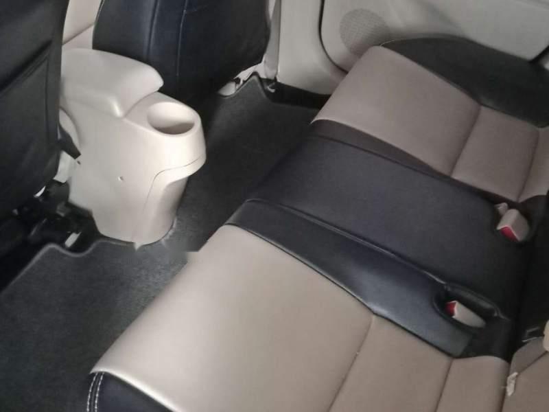 Bán Toyota Vios sản xuất 2017, màu trắng-3