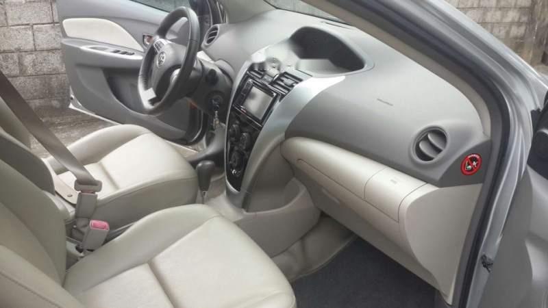 Bán xe Toyota Vios đời 2012, màu bạc số tự động-4
