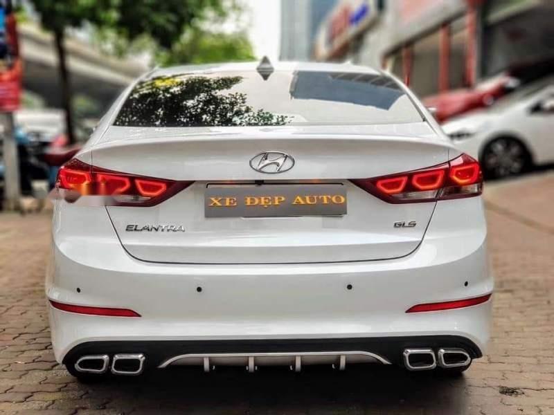 Bán Hyundai Elantra đời 2019, màu trắng, nhập khẩu  -1
