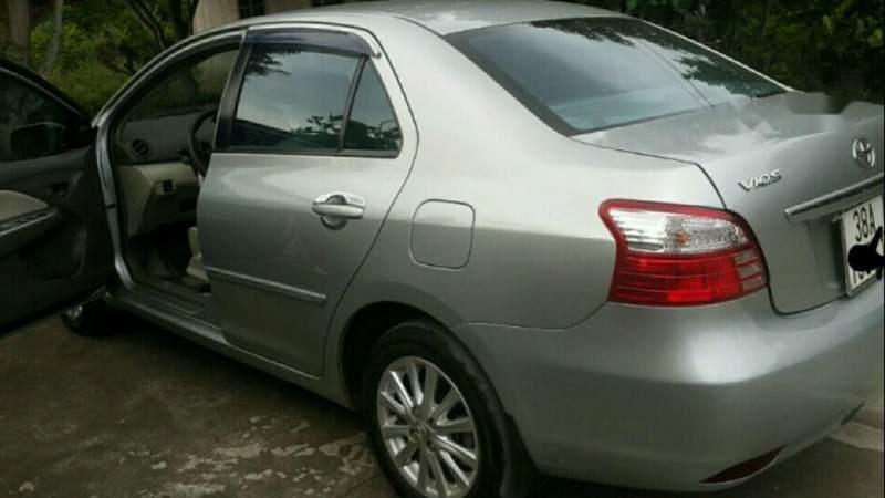 Bán xe Toyota Vios đời 2012, màu bạc số tự động-1