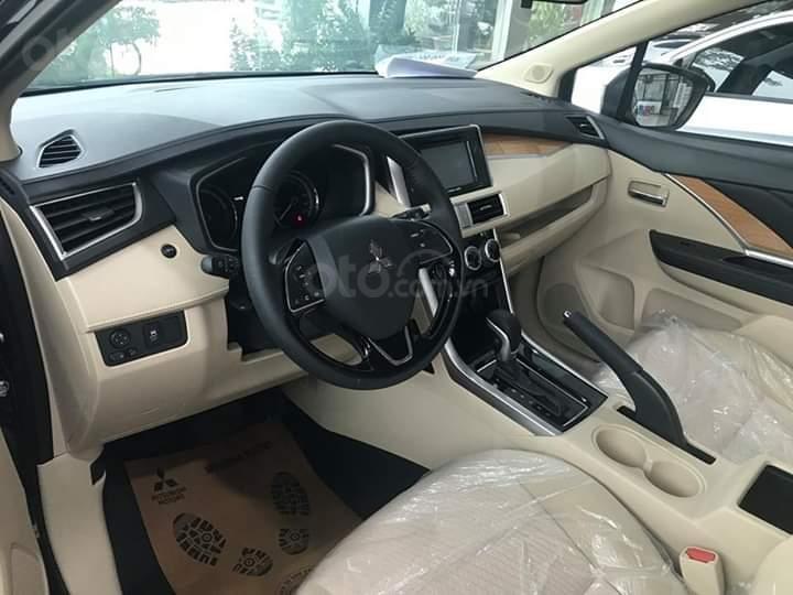 Bán xe Mitsubishi Xpander AT đời 2019, màu đen, xe nhập giá chuẩn-5