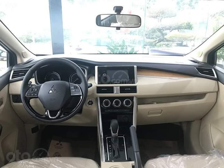 Bán xe Mitsubishi Xpander AT đời 2019, màu đen, xe nhập giá chuẩn-3