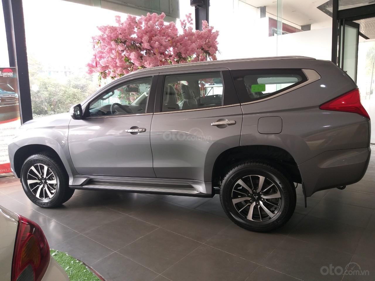 Bán xe Mitsubishi Pajero Sport sản xuất năm 2019, màu xám (ghi), xe nhập (1)