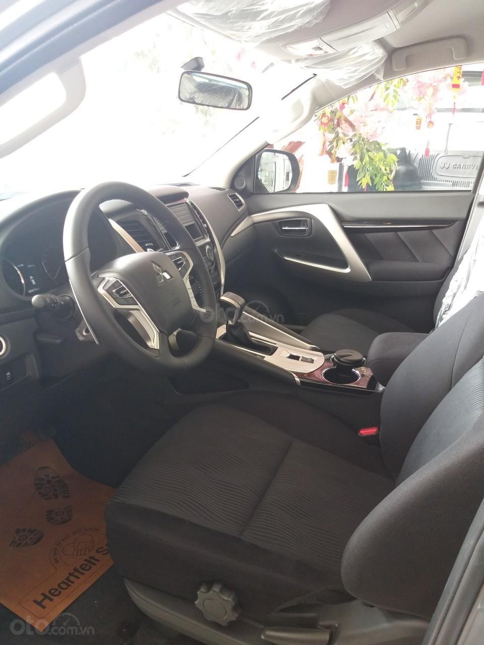 Bán xe Mitsubishi Pajero Sport sản xuất năm 2019, màu xám (ghi), xe nhập (3)