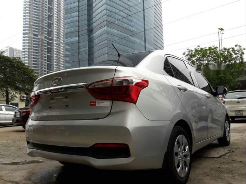 Bán xe Hyundai Grand i10 năm 2018, màu bạc-0
